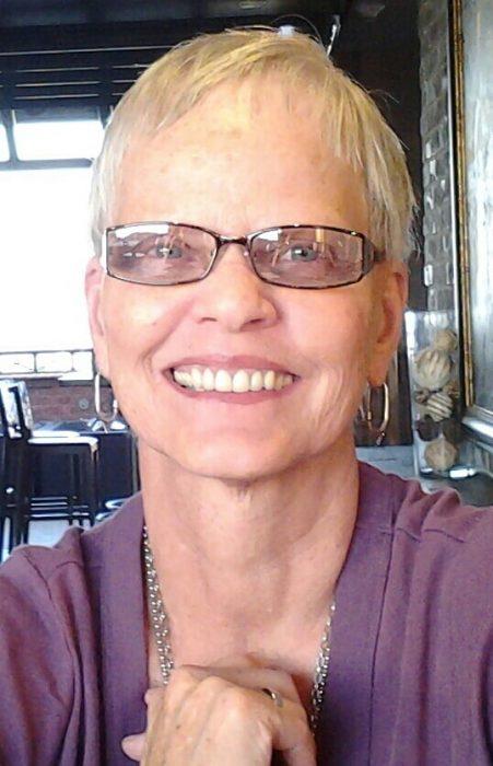 Award Winning Author - Bonnie Hobbs